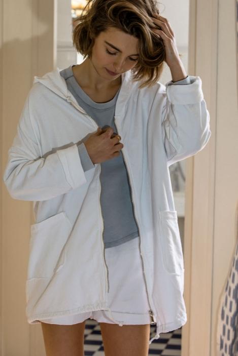 veste-capuche-horn-72151-blanc-1-pc.jpg